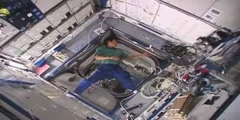 Boomerang in Zero Gravity - Amazing science